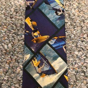 Structure windsurfing silk tie